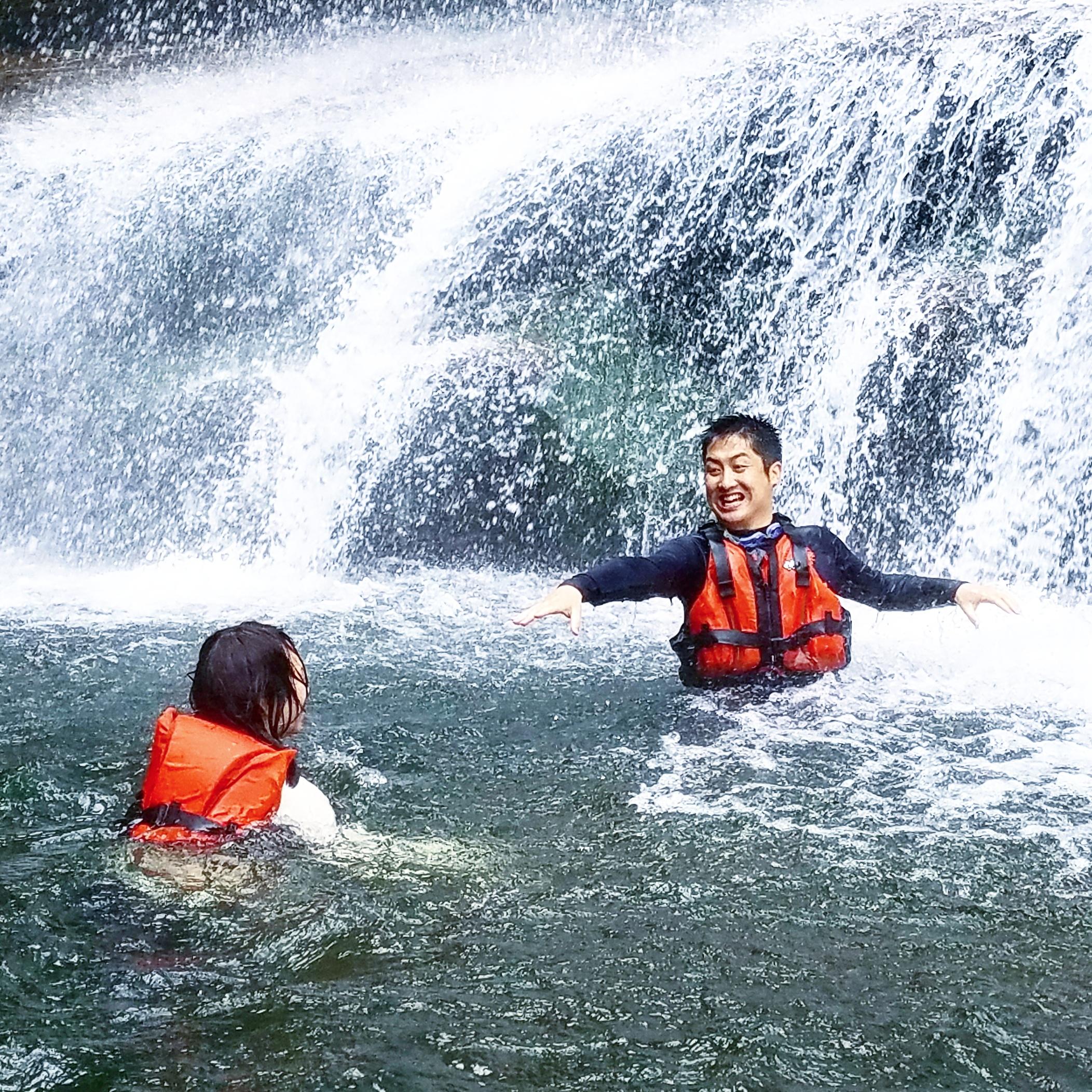 幻のナーラの滝下で滝遊び!