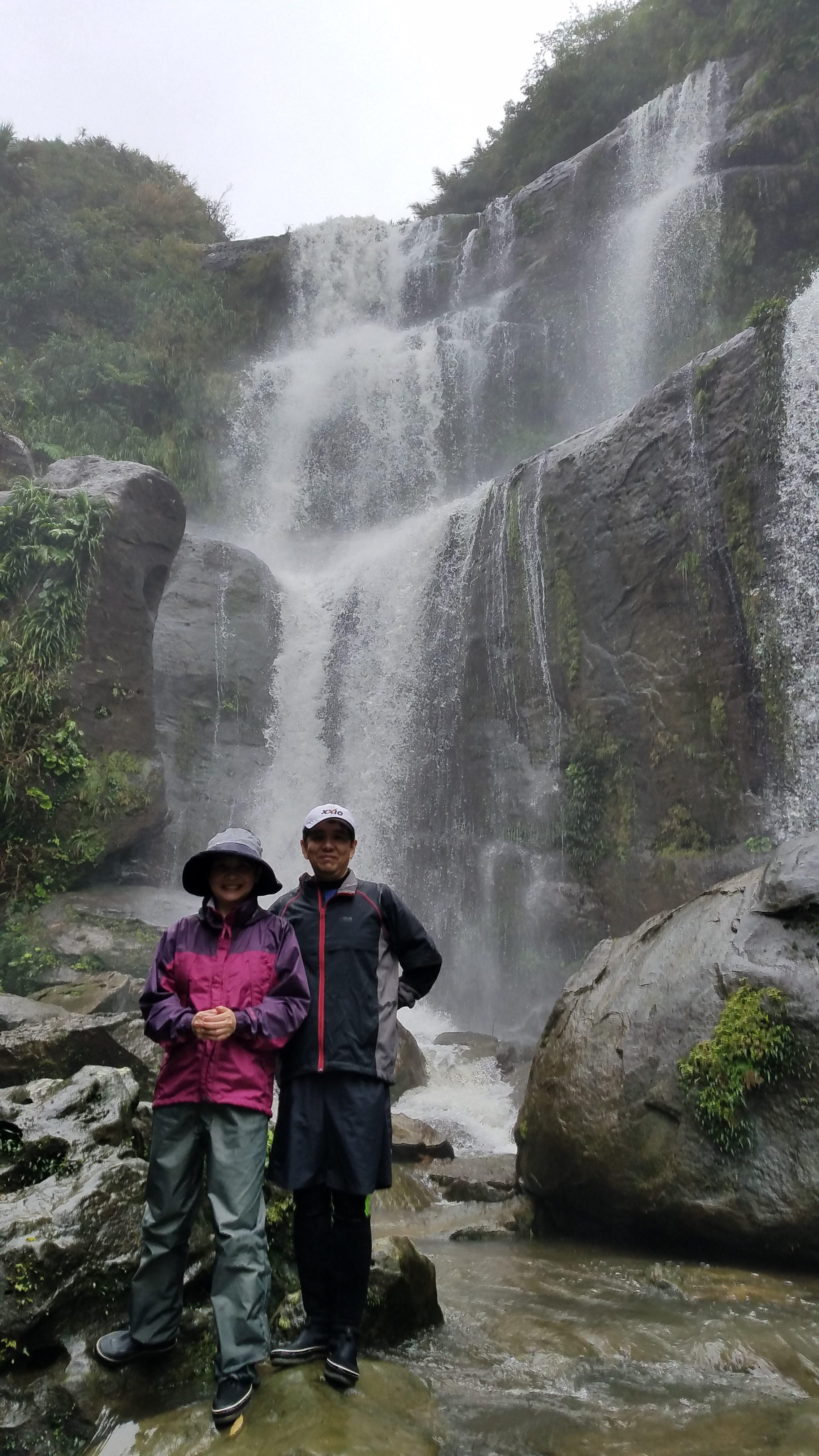 ユツンの3段滝トレッキングツアー