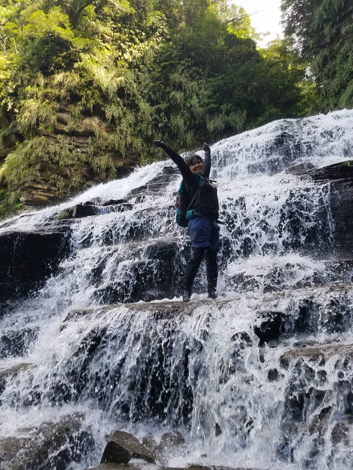 マヤグスクの滝トレッキング